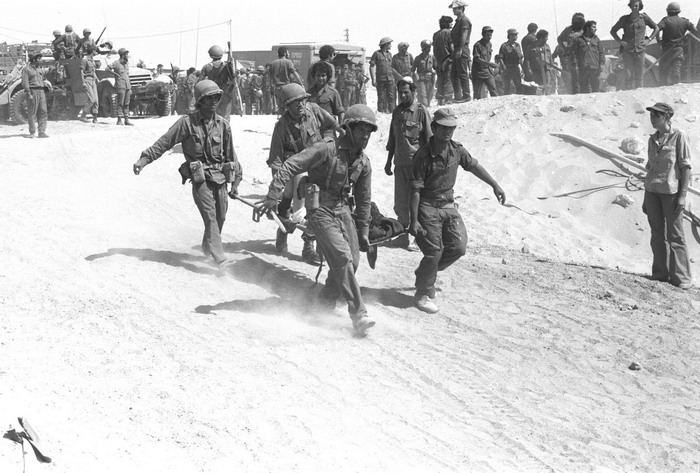 Evacuated_Casualties_of_the_Yom_Kippur_War_-_Flickr_-_Israel_Defense_Forces